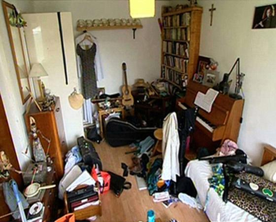 http://www.clutterclinic.co.uk/wp-content/uploads/2013/03/room-1b1.jpg