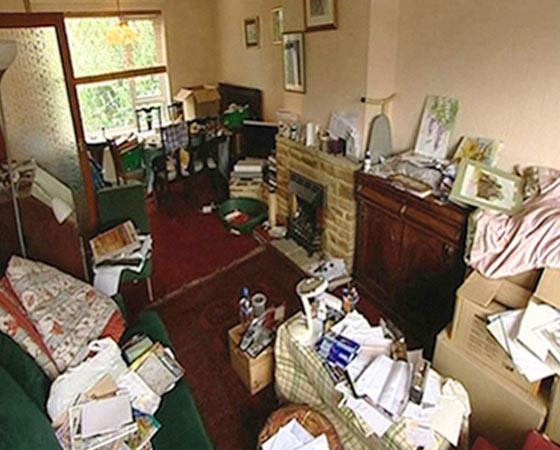 http://www.clutterclinic.co.uk/wp-content/uploads/2013/03/room-3b.jpg