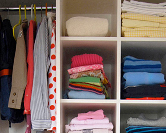 http://www.clutterclinic.co.uk/wp-content/uploads/2013/03/room-7a.jpg